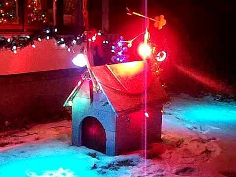 Snoooys Dog House Christmas