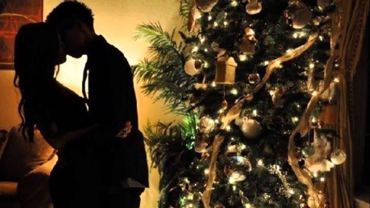 Фото елка и девушка парень