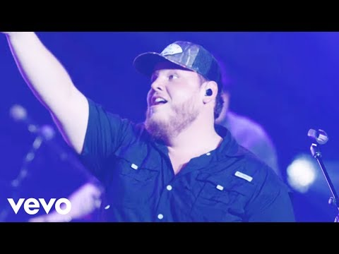 Download Luke Combs - Moon Over Mexico Mp4 baru