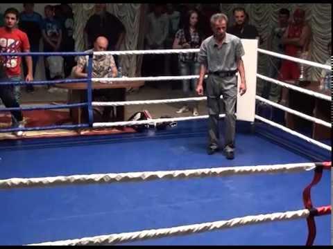 Бокс(любители). Вадим Кочиев vs Роберт Казиев до 70 кг.