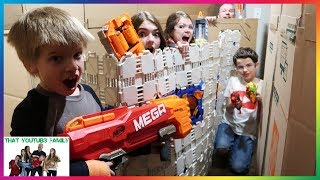Box Fort Nerf Battle Free-For-All! / That YouTub3 Family