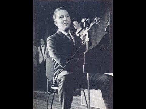 Jerry Lee Lewis - She Thinks I Still Care