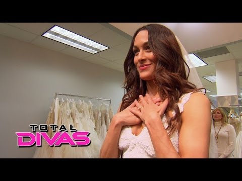 Brie Bella Goes Shopping For A Wedding Dress: Total Divas, May 4, 2014 video
