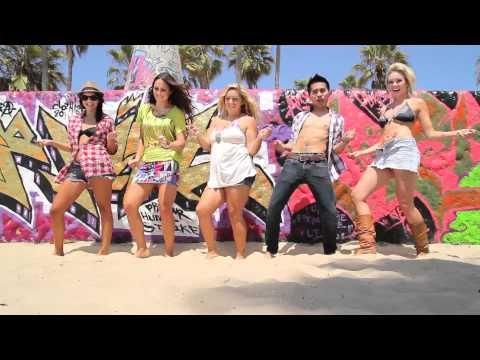 Moves Like Jagger - Maroon 5 ft. Christina Aguilera (Jervy Hou...