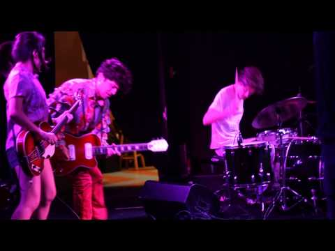 DEERHOOF &quot;Panda Panda Panda&quot; Live @The Pyramid Scheme