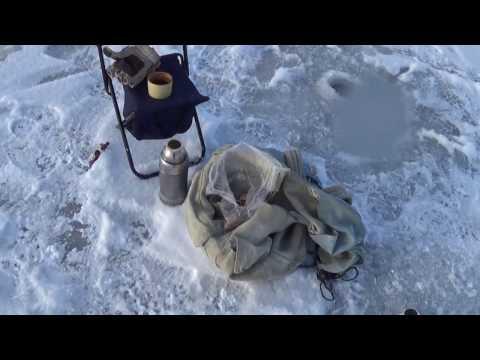 Первый лед, на озеро за огромными окунями
