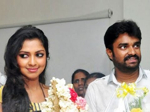 Vijay denies his Break up with Amala