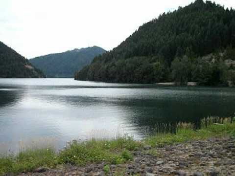 Blue river lake oregon great trout fishing youtube for Oregon out of state fishing license