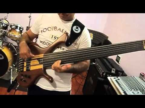 Roberto Orci - Bass Solo 6