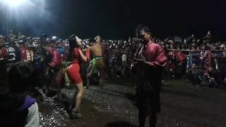 Samboyo putro lagu istimewa & kimcil kepolen live waung baron