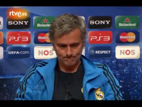 Mourinho corrige a traductor que