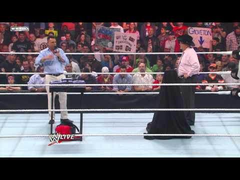 Raw - Jim Ross takes The Michael Cole Challenge