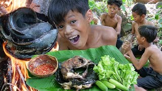 Primitive Technology - Cacth Fish And Cooking Eating Delicious
