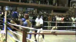 PRAVEEN KUNNATH(BLACK TIGERS  M M A)SURJE Vs rayis bmc ayurmana,calicut indoor kick boxing