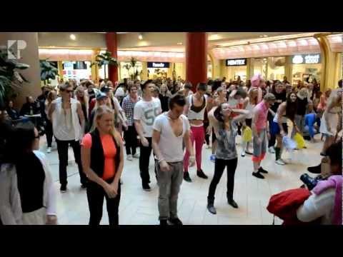 Tunak Tunak Tun + Gangnam Style (Flashmob  Solaris)