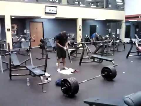 0 500lb (227 kg) Deadlift