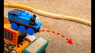 Thomas Train Stunts | Thomas and Friends Toy Trains! | Thomas the Tank Engine Train Video for Kids