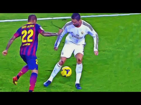 How To Own Your Opponent with a Nutmeg/Panna Soccer Skill like Ronaldo, Suarez & Messi