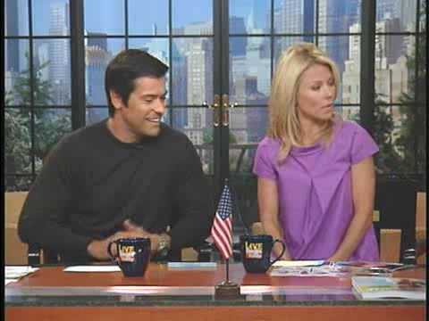 Kelly Ripa & Mark Consuelos talks about their Vacation