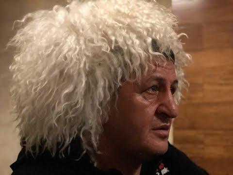 Слезы в глазах отца Хабиба. Как в Дагестане смотрели бой Нурмагомедова за титул UFC