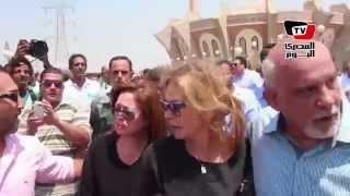 بكاء إلهام شاهين وماجدة زكي بجنازة نور الشريف