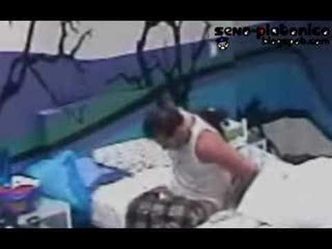 Fernando acordando de cueca branca!
