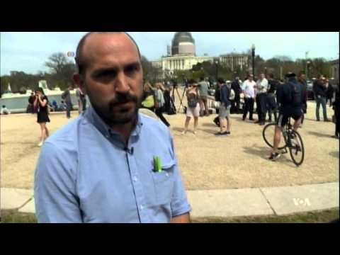 Protester Lands Gyrocopter on Capitol Lawn