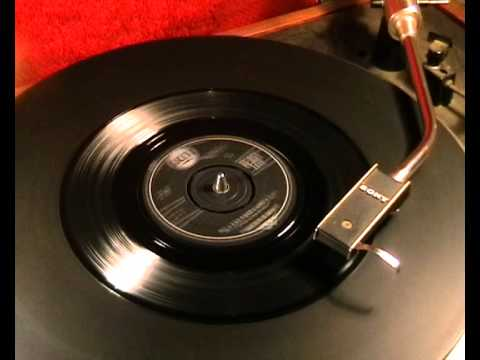 Skeeter Davis - My Last Date (with You) - 1961 45rpm video