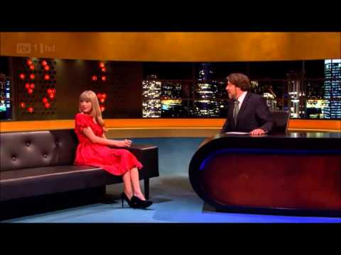 Jonathan Ross pokes fun at Gary Barlow (during Taylor Swift interview)