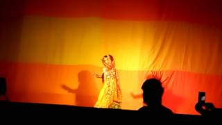 Little girl dancing in the Bengali song 03.06.17