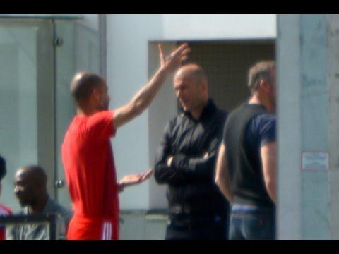 Pep Guardiola discussing with Zidane | Guardiola diskutiert mit Zidane | Dante Sagnol