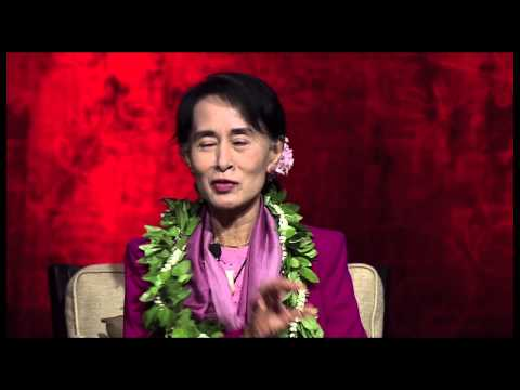 Aung San Suu Kyi takes questions from Hawaii students