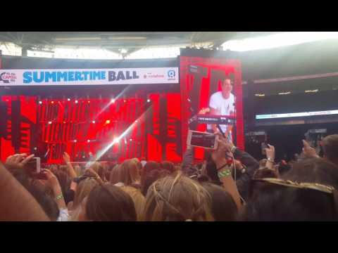 Charlie Puth - 'Attention' ( Live At Capital's SummerTime Ball 2017 )
