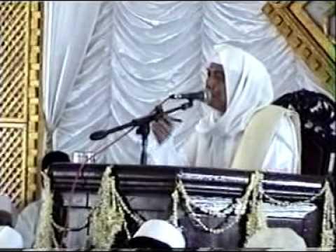 K.h. Ahmad Asrori Al Ishaqi Ra Di Unisda Lamongan 2005 (2) video