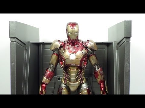 Marvel Select Battle Damaged Mark 42 Iron Man 3 Disney Store Exclusive Figure Review