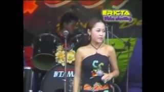 download lagu Bertaruh Rindu Rollysta gratis