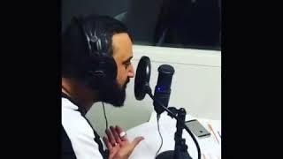 "Cyril Hanouna parodie Aya Nakamura et s'adresse à Ara Aprikian ""Oh Ara"""