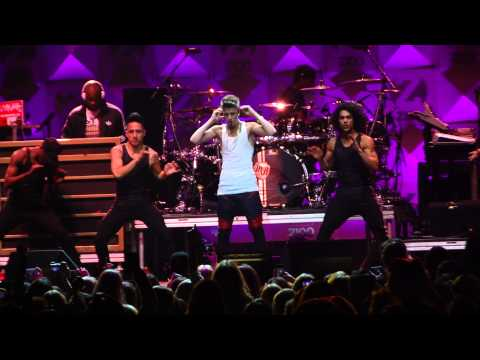 Justin Bieber - Mistletoe - Z100 Jingle Ball 2012 HD