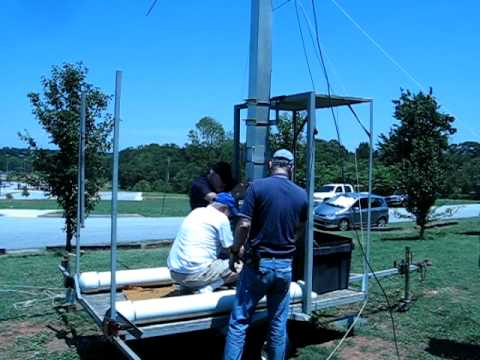 Field Day 2011: Raising the beam antennas