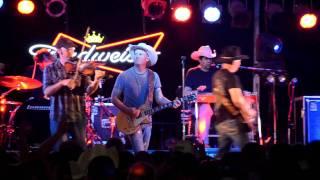 Watch Kevin Fowler 100 Texan video