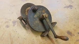 Vintage Hand Crank Grinder Restoration