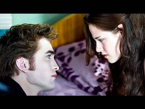 'The Twilight Saga: New Moon' movie review by Kenneth Turan
