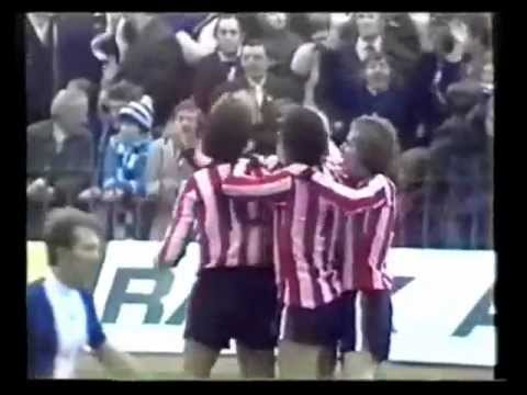 Rood & Wit Red & White Stripes Stoke City Jimmy Greenhoff Goal 2,02 beter dan van Basten.