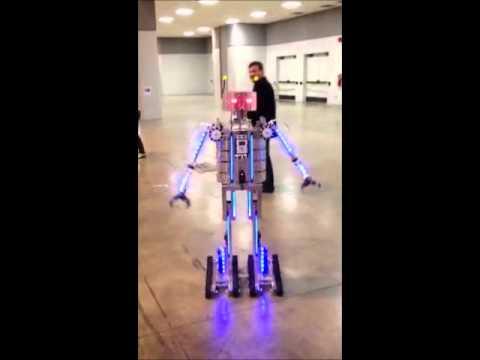 Humanoid TETRIX Robot