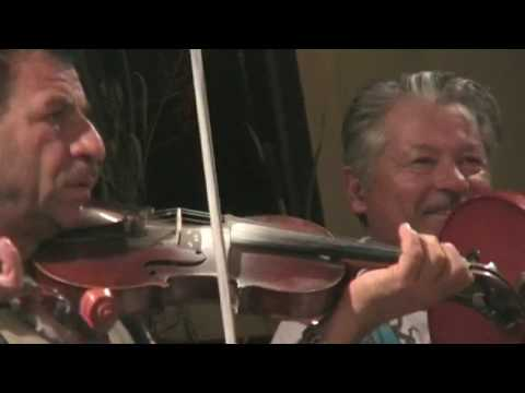 """Music from Szászcsávás: Jámbor István and Mezei Levente """"Leves"""" play Batuta Invirtita and Hartag"""