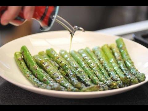 Espárragos a la parrilla - Recetas de verduras - Grilled Asparragus
