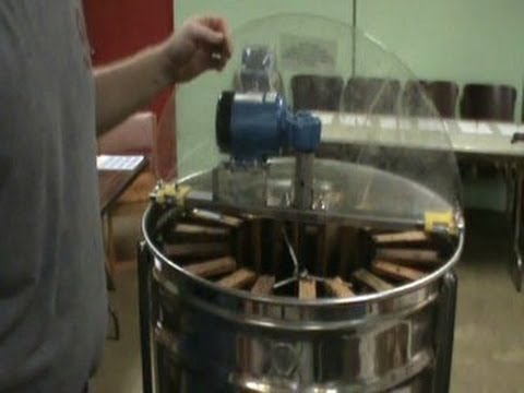 Hobbyist Honey Extracting Operation