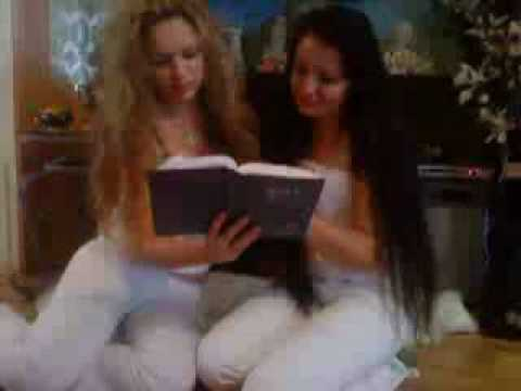 Sakira  Sexica Xxx Le Devleske Seja Anda Irlando I Lolitaxxx Taj I Mrecedes Kiss.wmv video