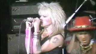 Watch Hanoi Rocks Mental Beat video