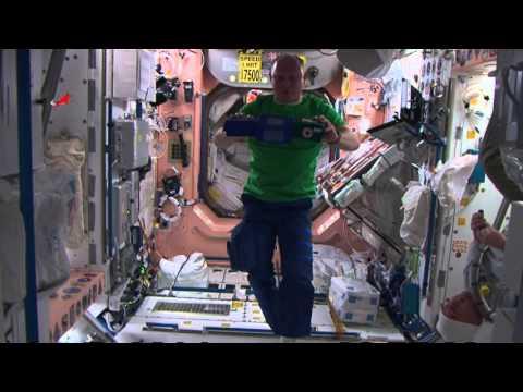 Цирк на орбите МКС / Space Circus on ISS